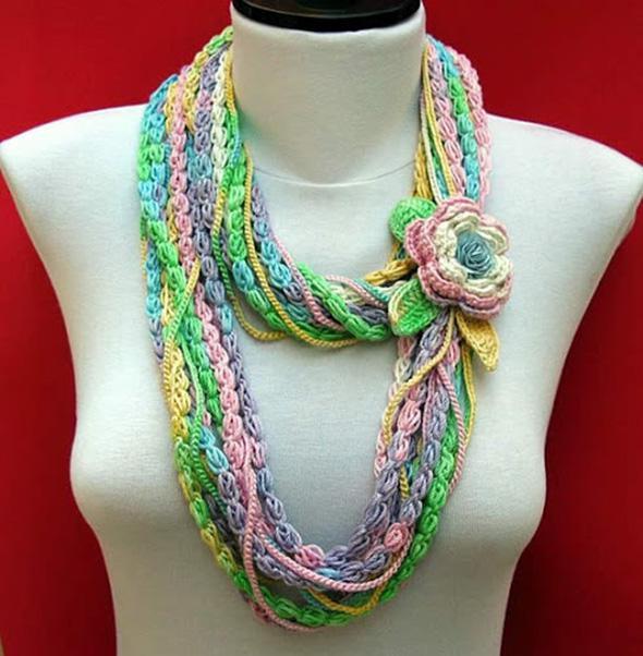Вязаное украшение